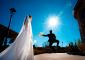 foto-divertida-boda-novio-saltando
